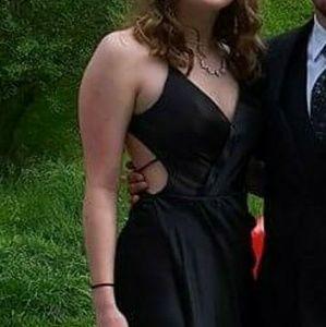 Dresses & Skirts - Prom/formal dress